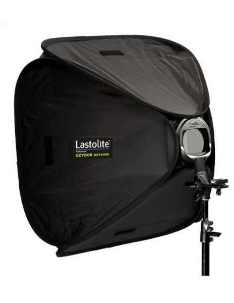 Pachet Lastolite Ezybox Hotshoe 63x63cm cu prindere + Lastolite Ezybox 2401 Hot Shoe Tilthead Suport compatibil blitz si umbrela + Lastolite Stativ 0